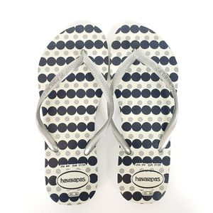 Havaianas silver black and white flip flops NWOT